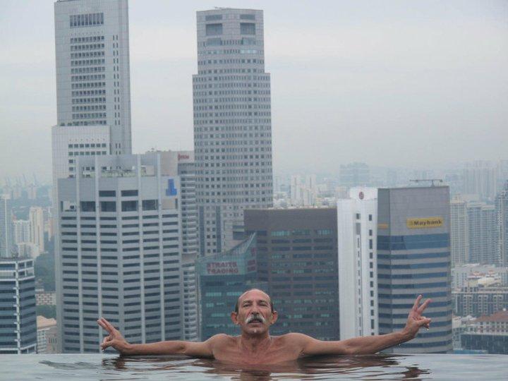 Piscina sospesa nel vuoto a singapore for Piscina singapore