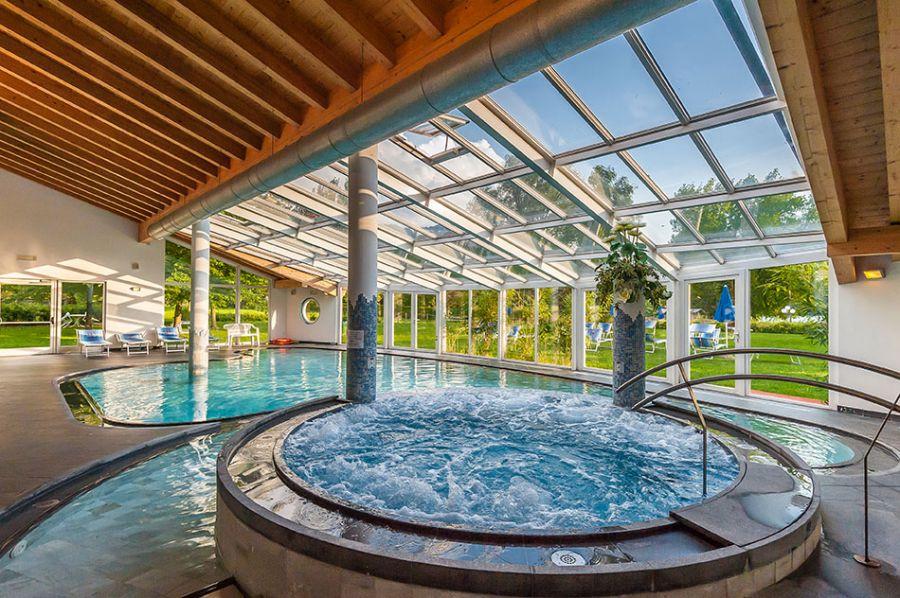 Pasqua con benessere al lago 3 notti 294 levico terme trentino hotel al sorriso greenpark - Hotel con piscine termali trentino ...