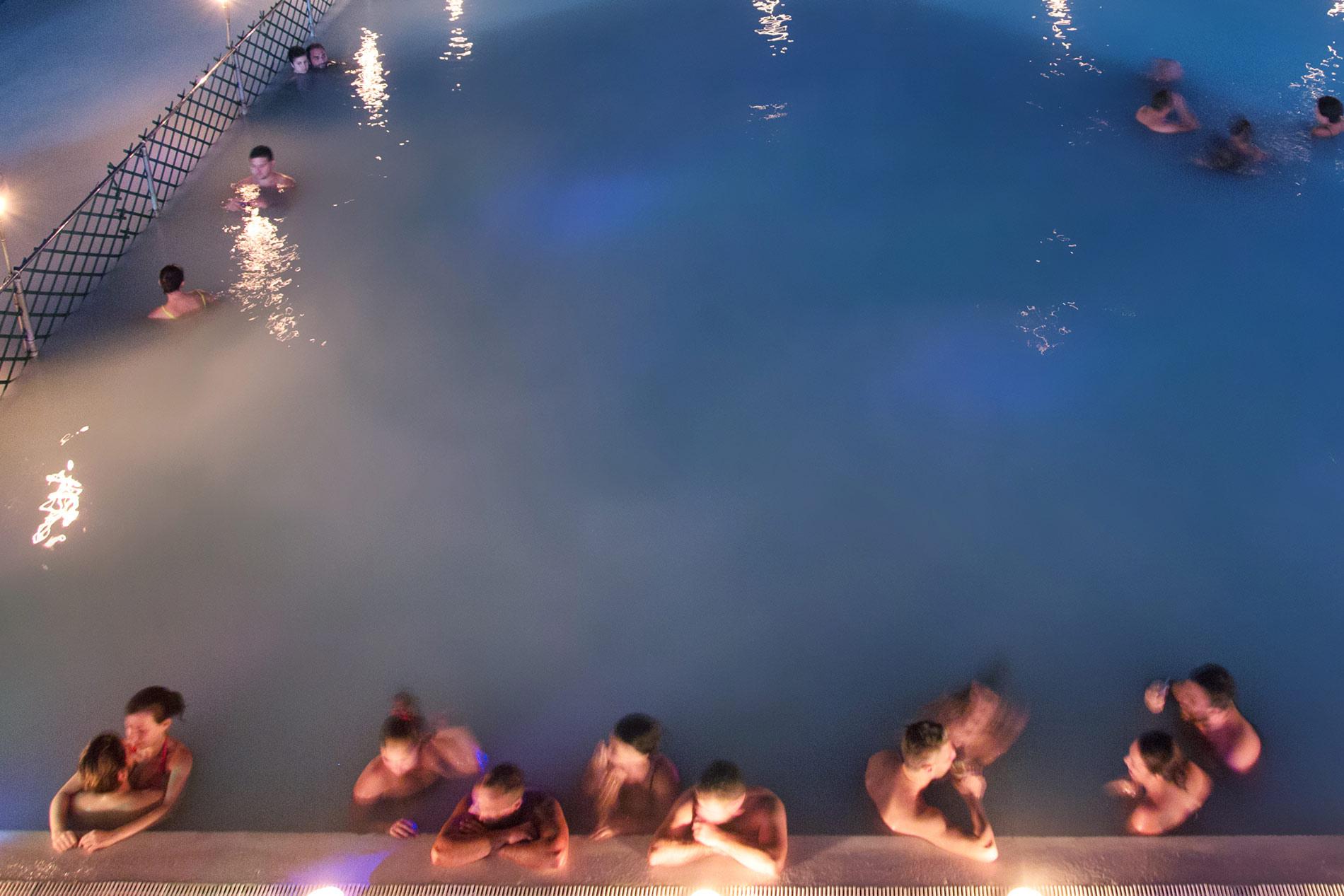 Vasca Da Bagno Romantica Con Candele : Terme di notte bagno a lume di candela 19 aprile ⊶ contursi terme