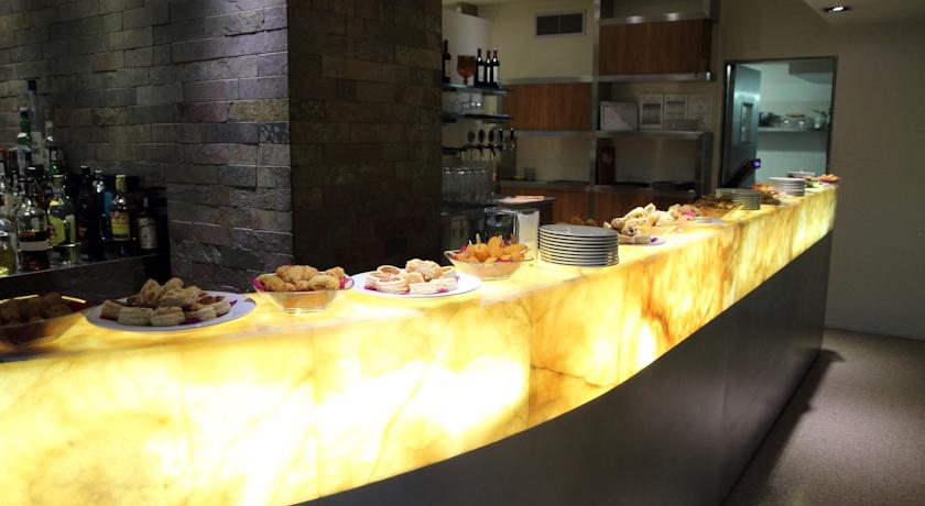Astoria park hotel riva del garda lago di garda trentino for Arredo hotel trento